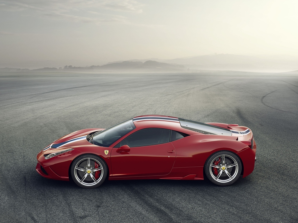 Ferrari 458 Speciale profil
