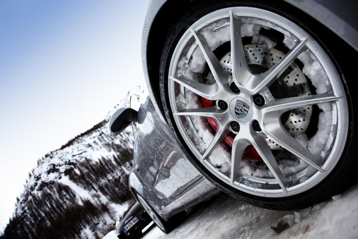 Pneu hiver – Porsche Ice Driving – Euromaster