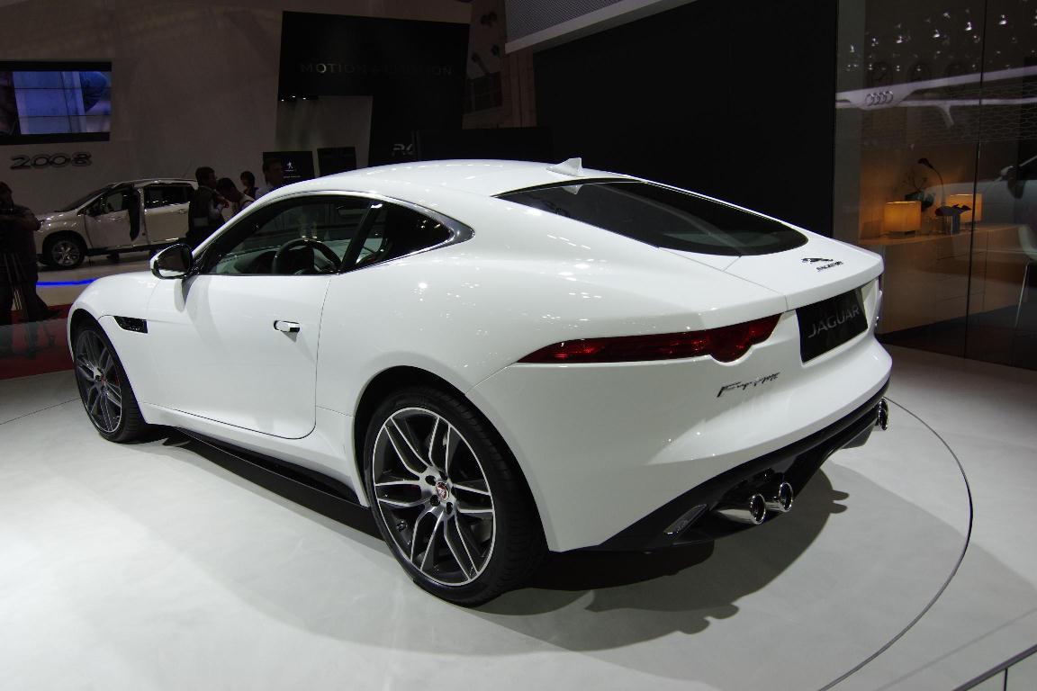 Salon de Tokyo 2013 - Jaguar F-Type Coupé