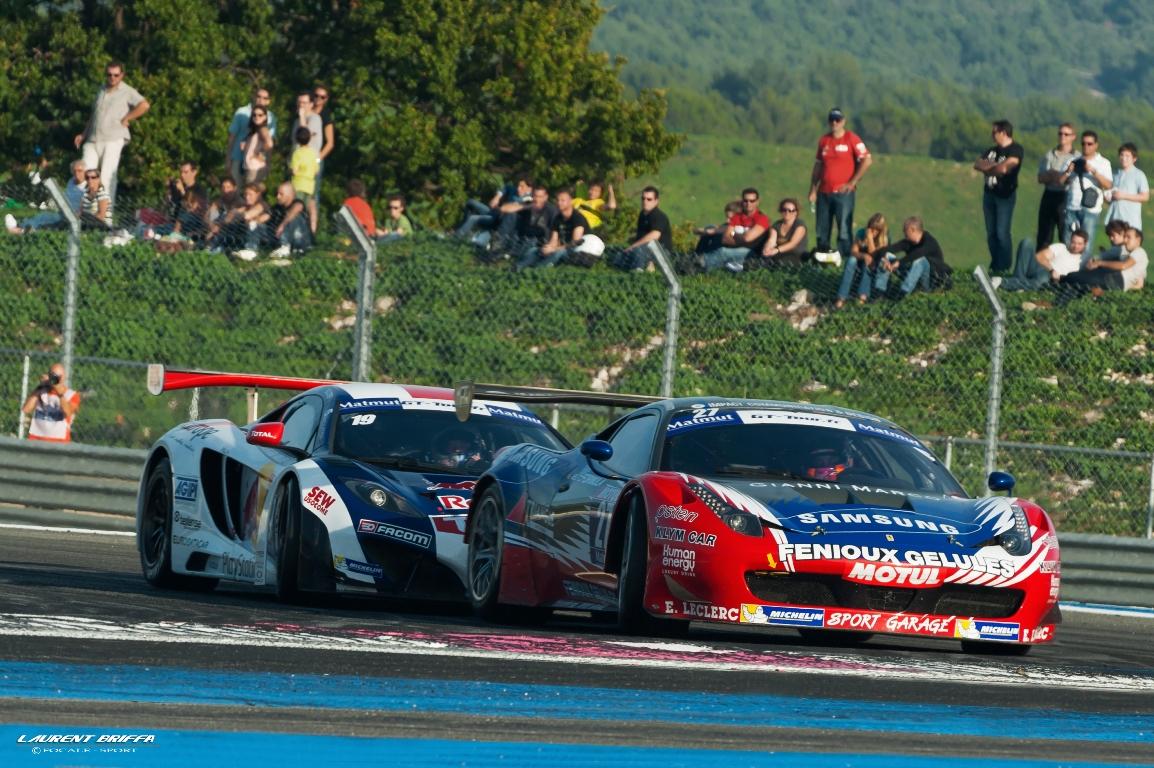 Duel sur piste, entre les équipe de Sébastien Loeb Racing et Sport Garage.