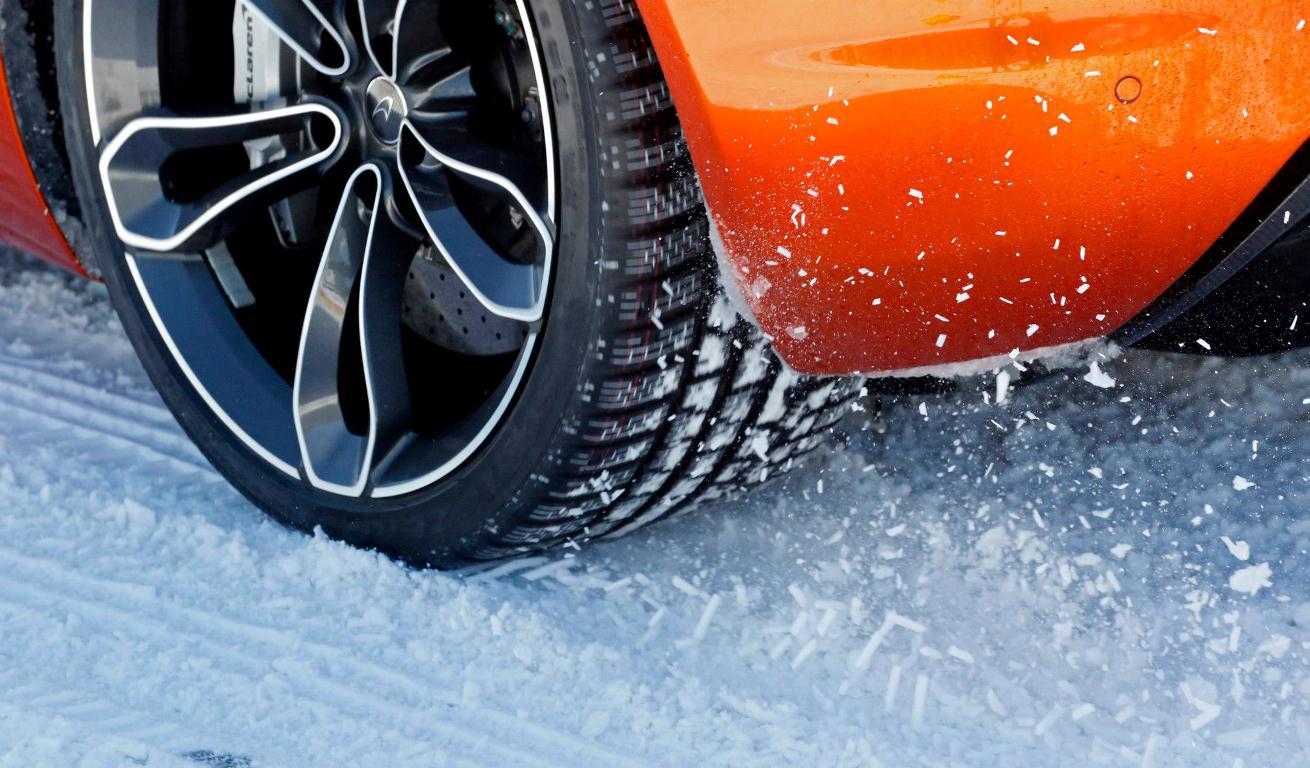 Pneu hiver - McLaren Ice Driving - Euromaster