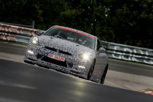 Nissan GT-R Nismo - 7 min 8 sec 679 au tour sur le Nürburgring