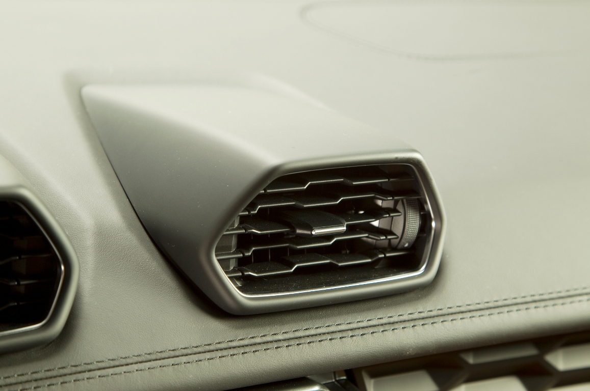 2015-Lamborghini-Huracan-air-vents