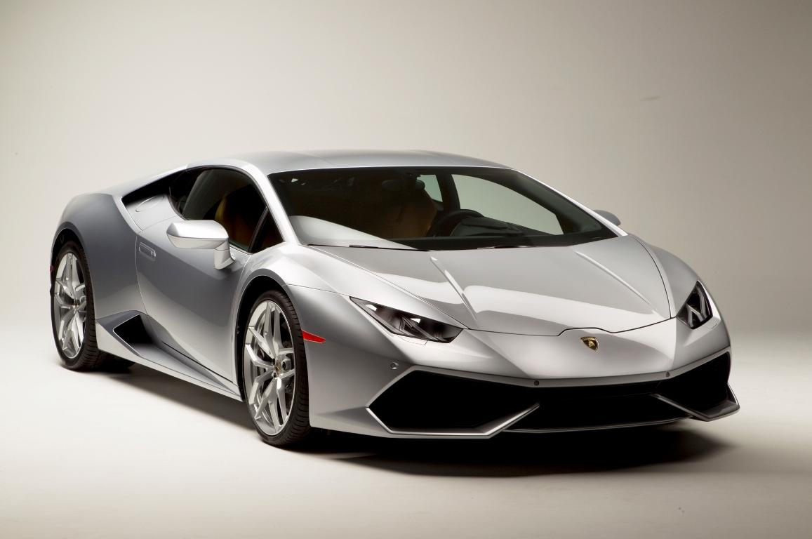 2015-Lamborghini-Huracan-front-three-quarters