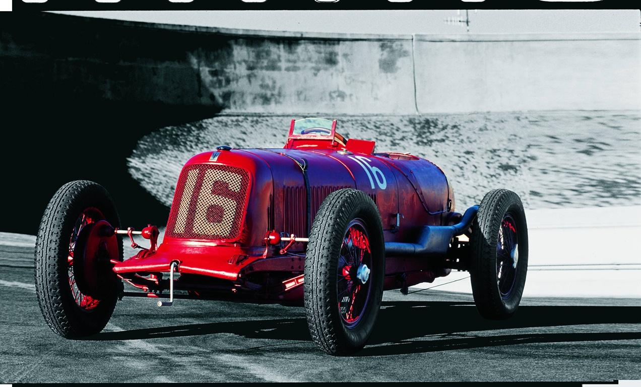 La vettura fu prodotta dal 1927 al 1930.Servizio fotografico effettuato nell 2002 per Borchure monografica.