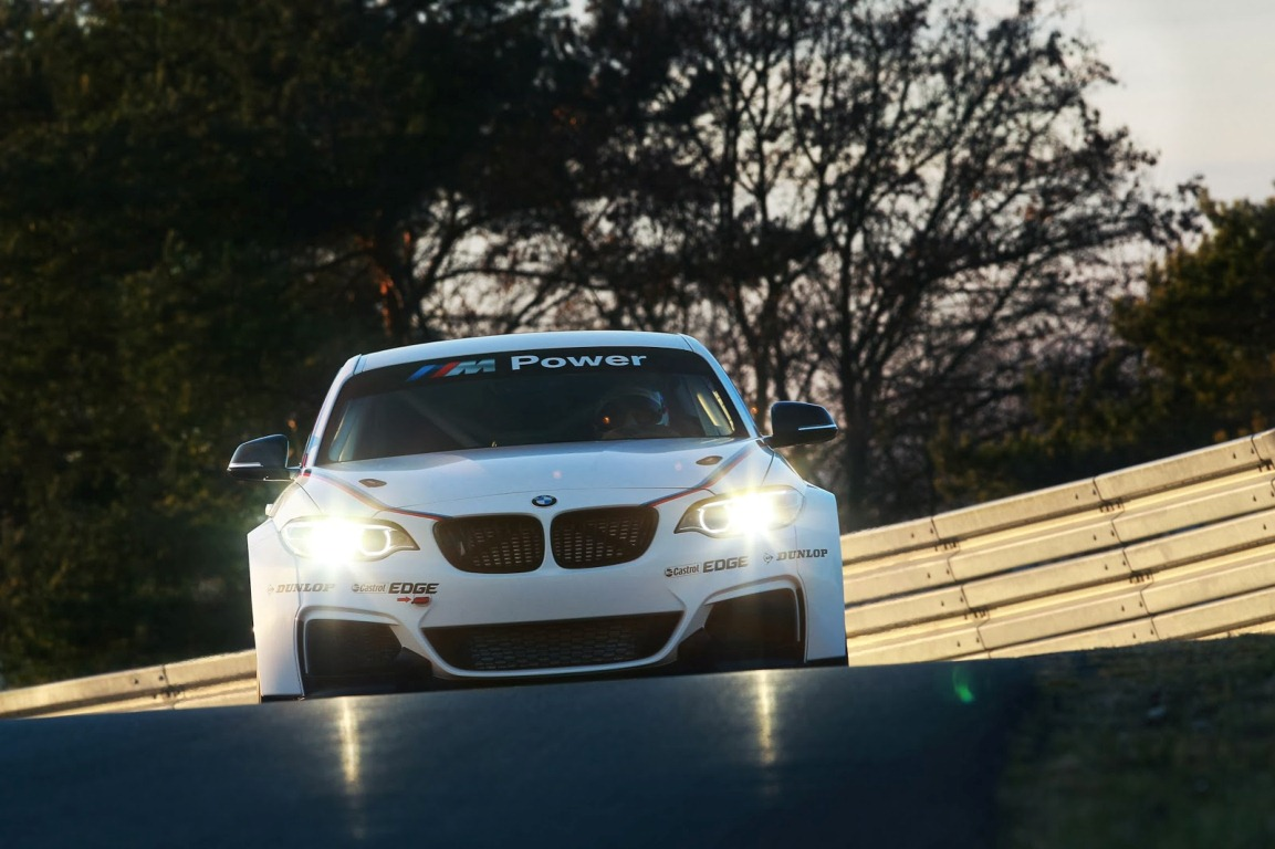 BMW M235i Racing 01