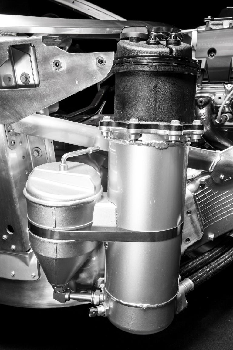 2015 Chevrolet Corvette Z06 standard dry-sump oiling system