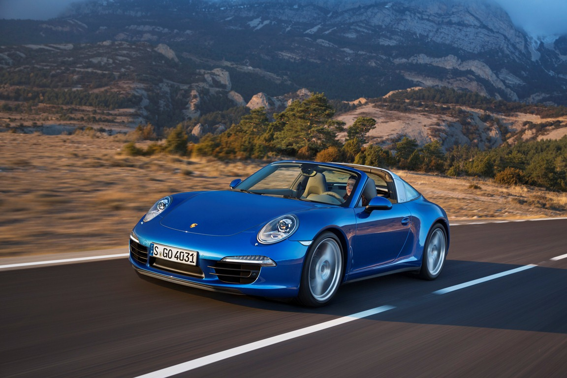 Embargo_1730_13_January_2014_Porsche_911_Targa_4_front_three_quarter