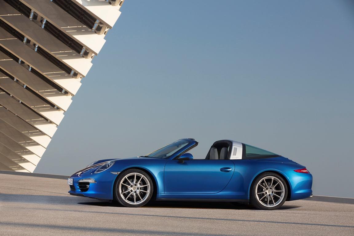 Embargo_1730_13_January_2014_Porsche_911_Targa_4_profile