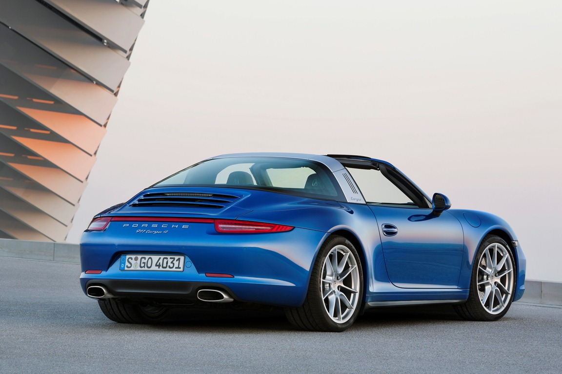 Embargo_1730_13_January_2014_Porsche_911_Targa_4_rear_three_quarter