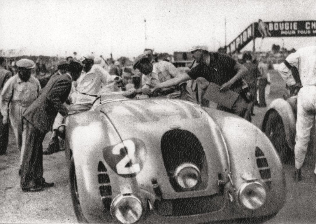 1937_bugatti-type-57