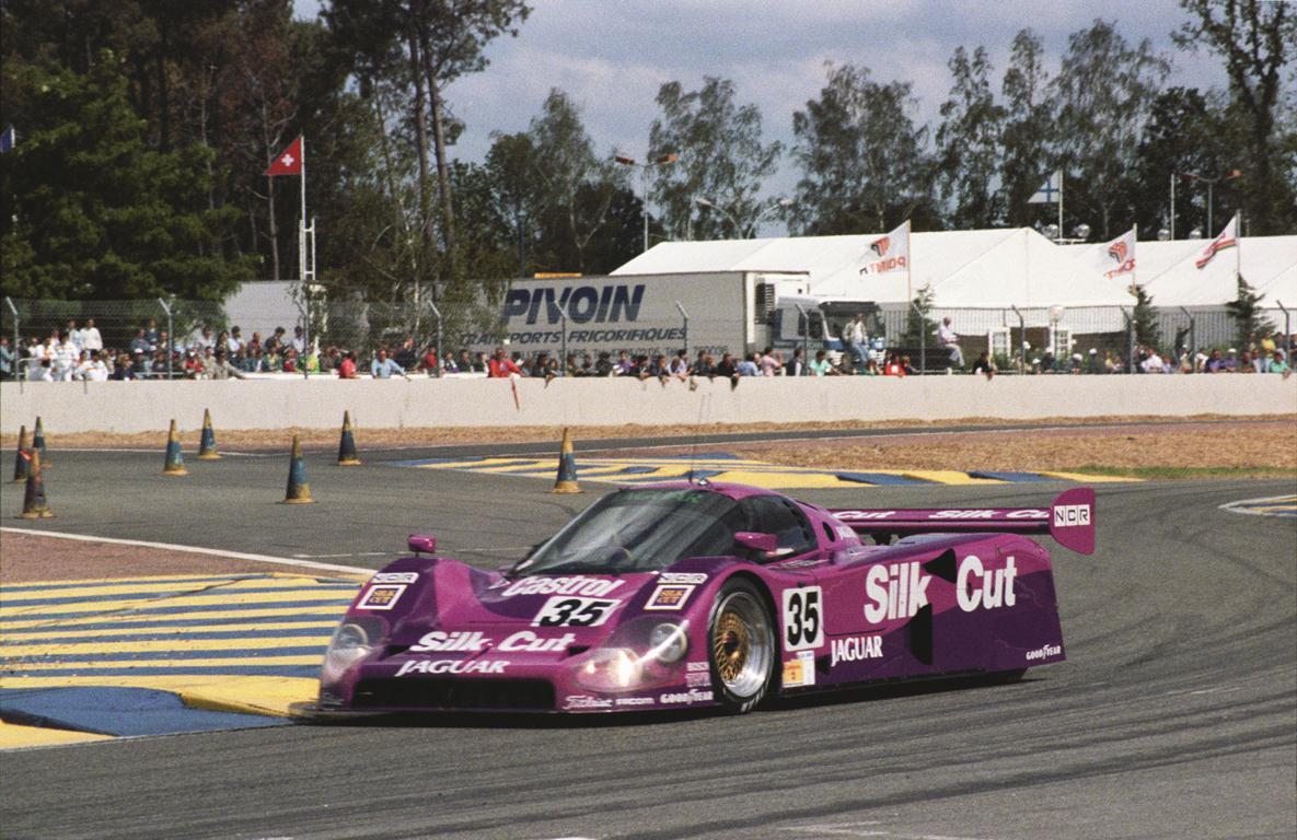 1991 24 HEURES DU MANS #35 Jaguar XJ-R 12 LM (Silk Cut Jaguar) Davy Jones (USA) – Michel Ferté (F) – Raul Boesel (BRA) – res02