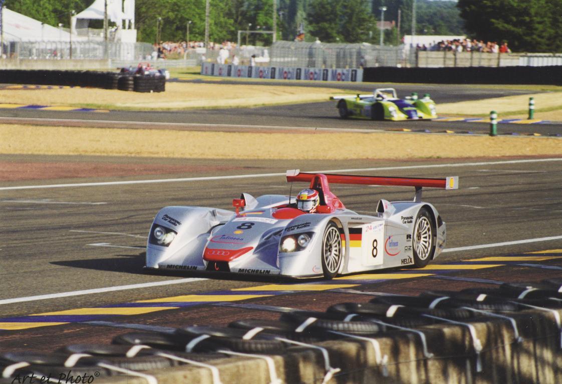 2000 24 HEURES DU MANS #8 Audi (Audi Sport Team Joest) Frank Biela (D) – Tom Kristensen (DK) – Emanuele Pirro (I) – res01