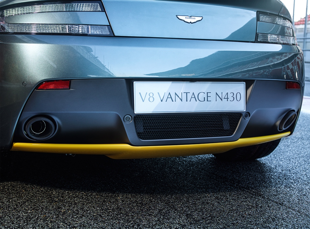 V8 Vantage N430_07