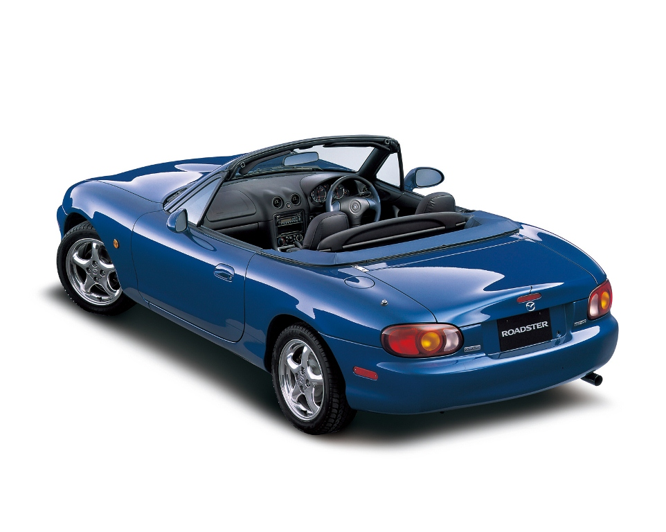 mazda mx 5 une s rie limit e et un portail web pour ses 25 ans. Black Bedroom Furniture Sets. Home Design Ideas