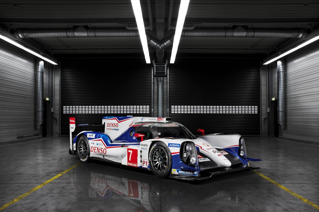 2014_TOYOTA_TS040_LAUNCH_A03
