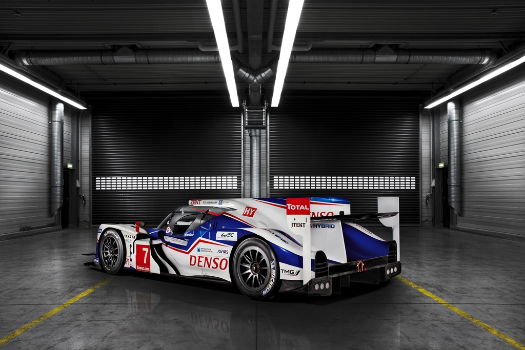 2014_TOYOTA_TS040_LAUNCH_A04