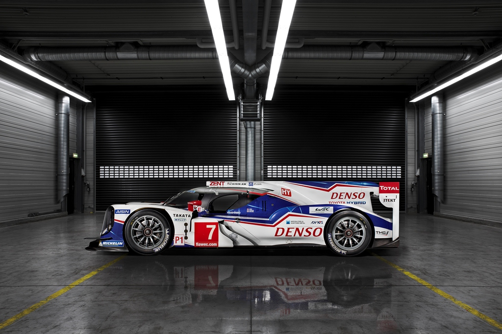 2014_TOYOTA_TS040_LAUNCH_A07