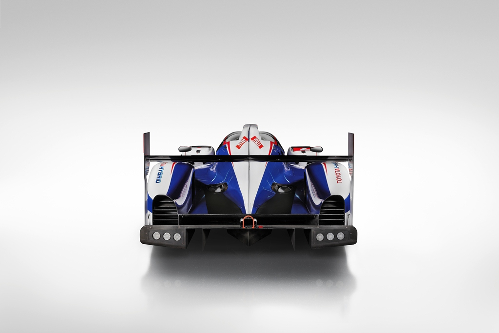 2014_TOYOTA_TS040_LAUNCH_B09