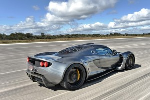 Hennessey Venom GT Speed Record 270 mph - Cap Canaveral NASA Floride