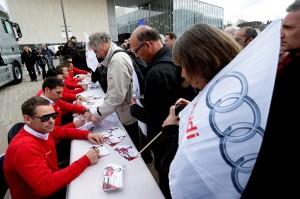 Séances d'autographes - Audi R18 e-Tron Quattro dans les rues du Mans