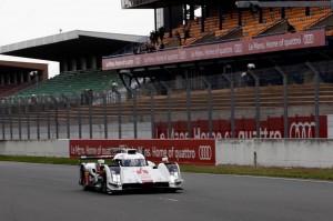 Audi R18 e-Tron Quattro dans les rues du Mans puis sur le Circuit du Mans Bugatti