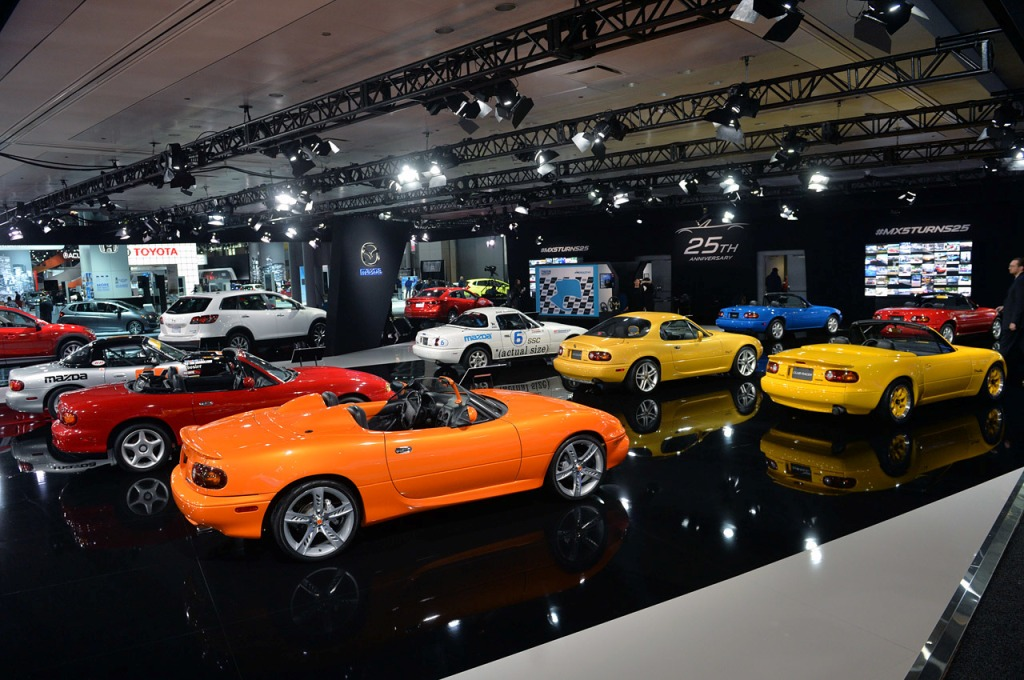 Mazda MX-5 exposition 25th anniversary