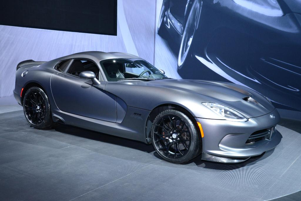 SRT Viper Time Attack Anodized Carbon Special Edition