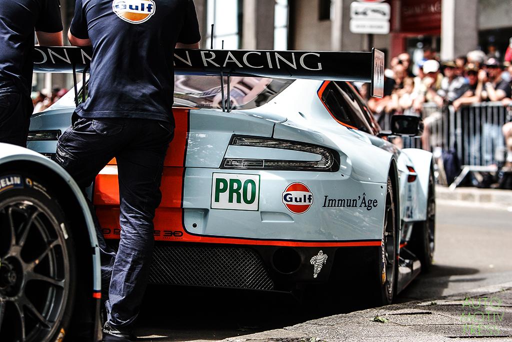 24 Heures du Mans 2014 - Pesage - Aston Martin Racing