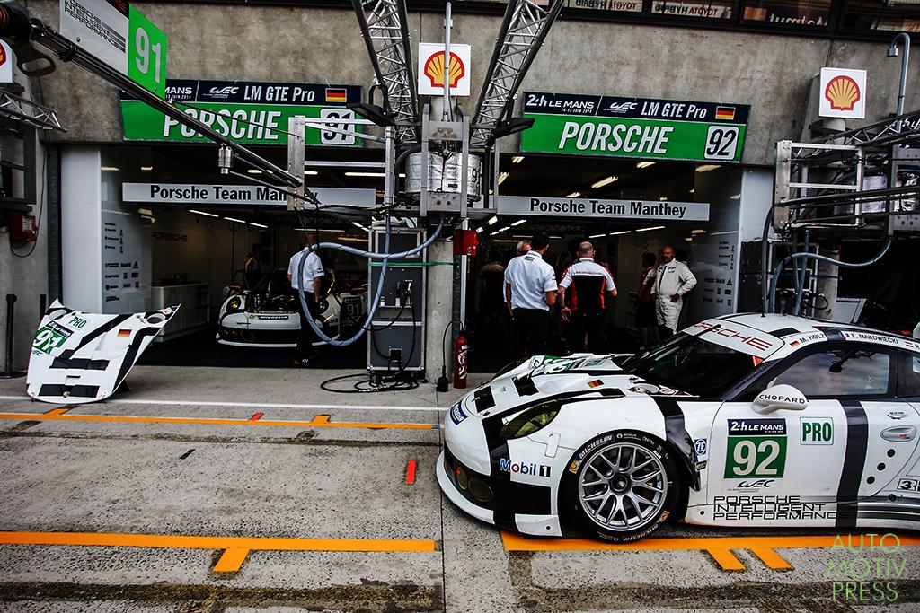 Porsche 911 GT3 RSR n°92/Porsche Team Manthey - 24 Heures du Mans 2014 - Course - HOLZER / MAKOWIECKI / LIETZ