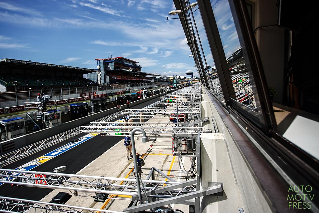 Toyota Hybrid TS040 - 24 Heures du Mans 2014 - Stand et Espace privatif Toyota Motorsport
