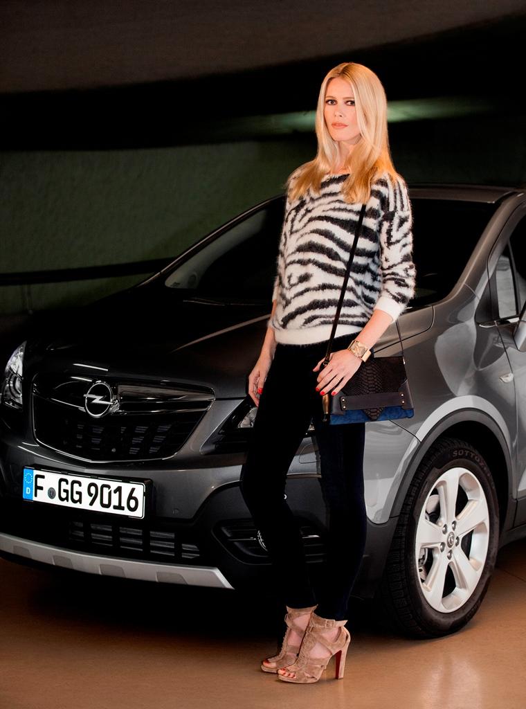 Claudia Schiffer pour l'Opel Mokka