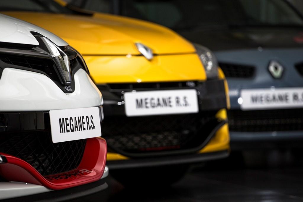Renault Megane RS 275 Trophy-R : 7'54''36 au tour sur le Nürburgring