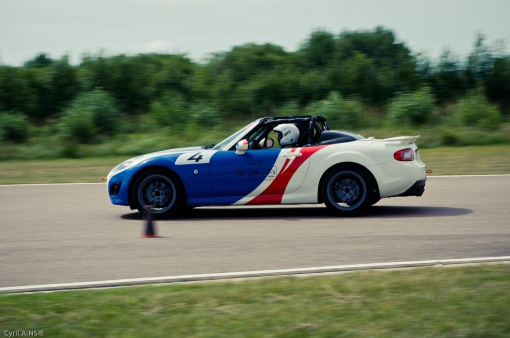 Mazda MX-5 Open Race - Circuit La Ferté Gaucher avec Olivier Panis