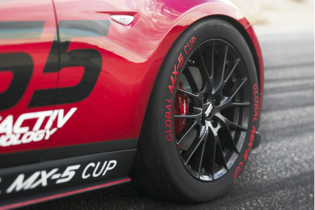 2016-mazda-global-mx-5-cup-race-car_100489060_l