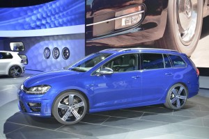 Volkswagen Golf R300 Sportwagen - Los Angeles Auto Show 2014