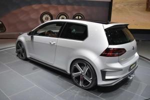 Volkswagen Golf R400 - Los Angeles Auto Show 2014