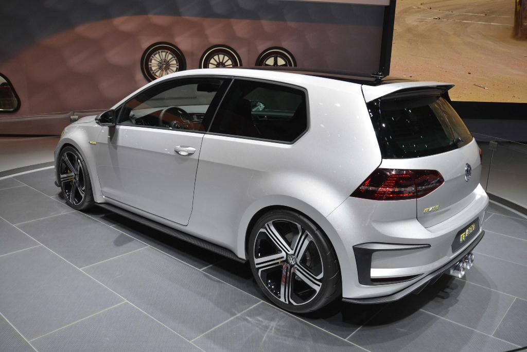 Volkswagen Golf R400 - Los Angeles Auto Show 2014