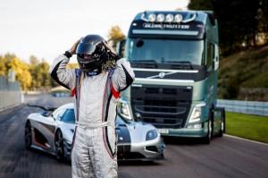 Volvo Truck vs Koenigsegg One:1