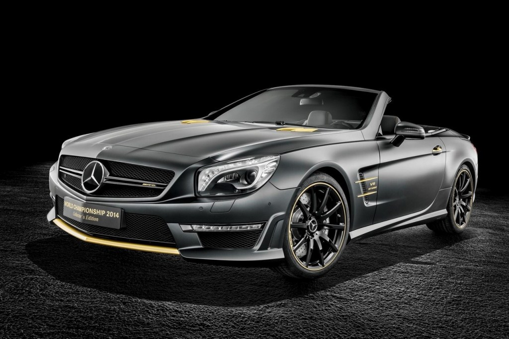Mercedes-AMG SL 63 World Championship 2014 Collector?s Edition, Lewis Hamilton Black Model.Mercedes-AMG SL 63 World Championship 2014 Collector?s Edition, Nico Rosberg White Model.
