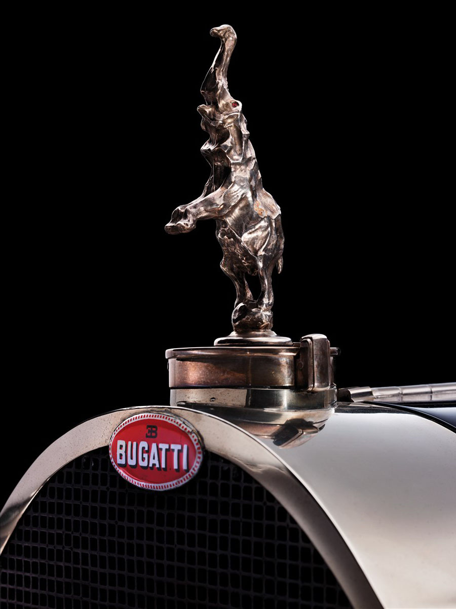 1932_Bugatti_Type-41_Royale_Coupe-de-Ville_body_by_Binder_Hood_Ornament_02