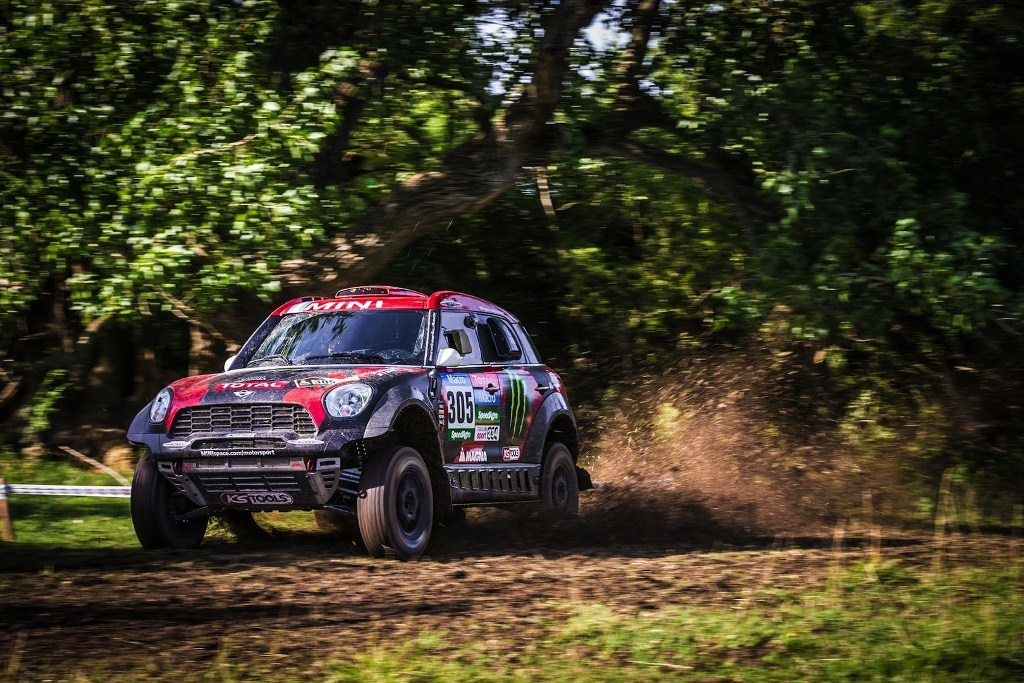 mini-wins-first-stage-of-2015-dakar-rally_1