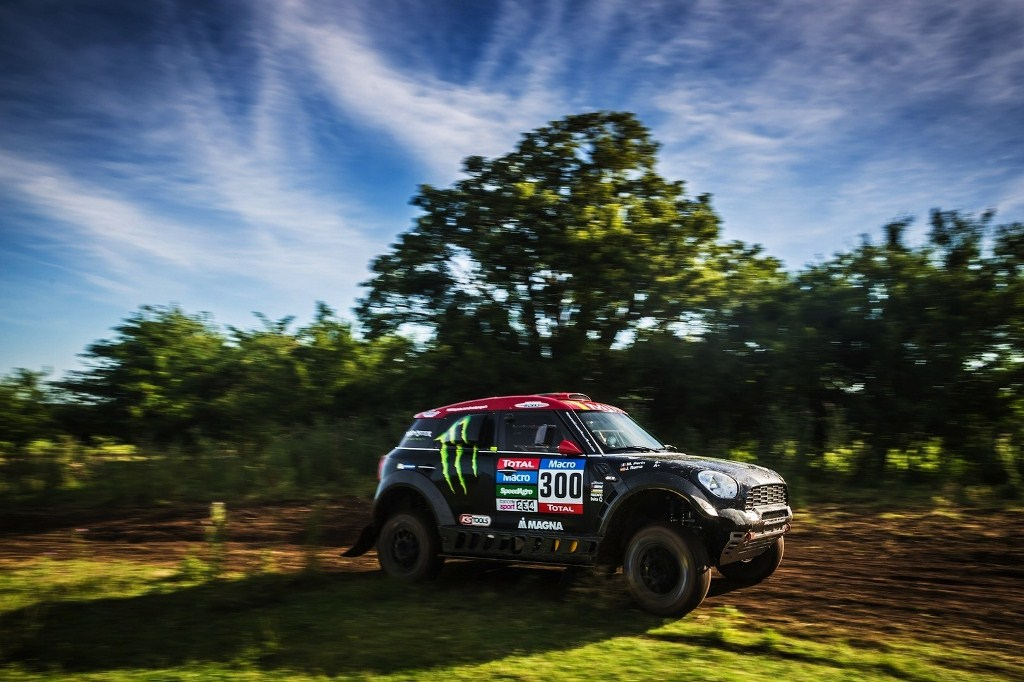 mini-wins-first-stage-of-2015-dakar-rally_3