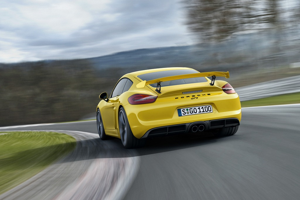 Embargo_23_00_01_3_February_2015_Cayman_GT4_rear_three_quarter_track