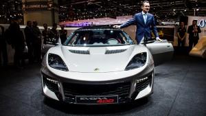 Lotus Evora 400 - Genève 2015 - Jean-Marc Gales, Tun Dr Mahathir et Dato Harith