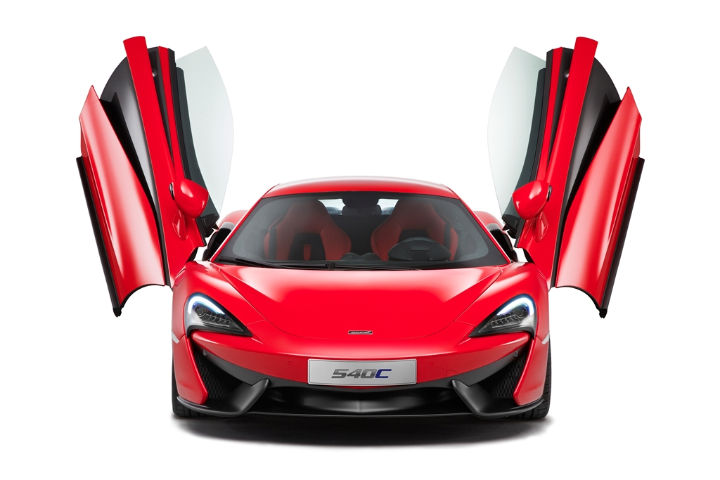 mclaren_540c_head_door_up