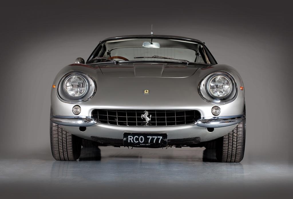 HandH_Colton_Ferrari_275_GTB-4_front_land