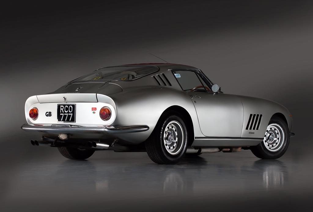 HandH_Colton_Ferrari_275_GTB-4_rear_3-4_land