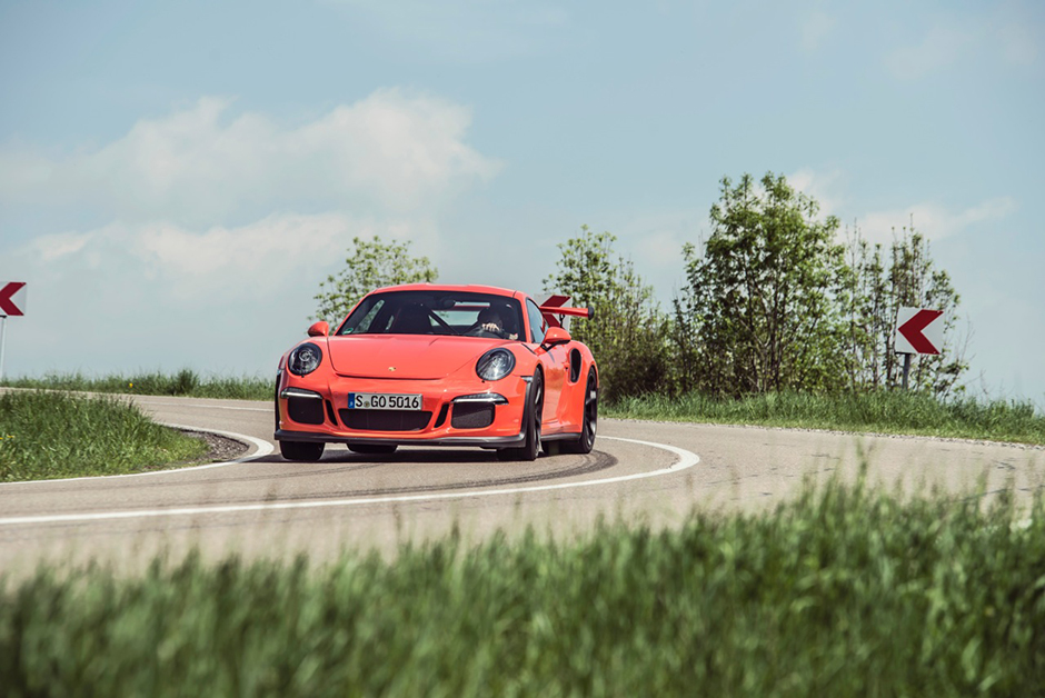 Chris Harris au volant de la Porsche 911 GT3 RS