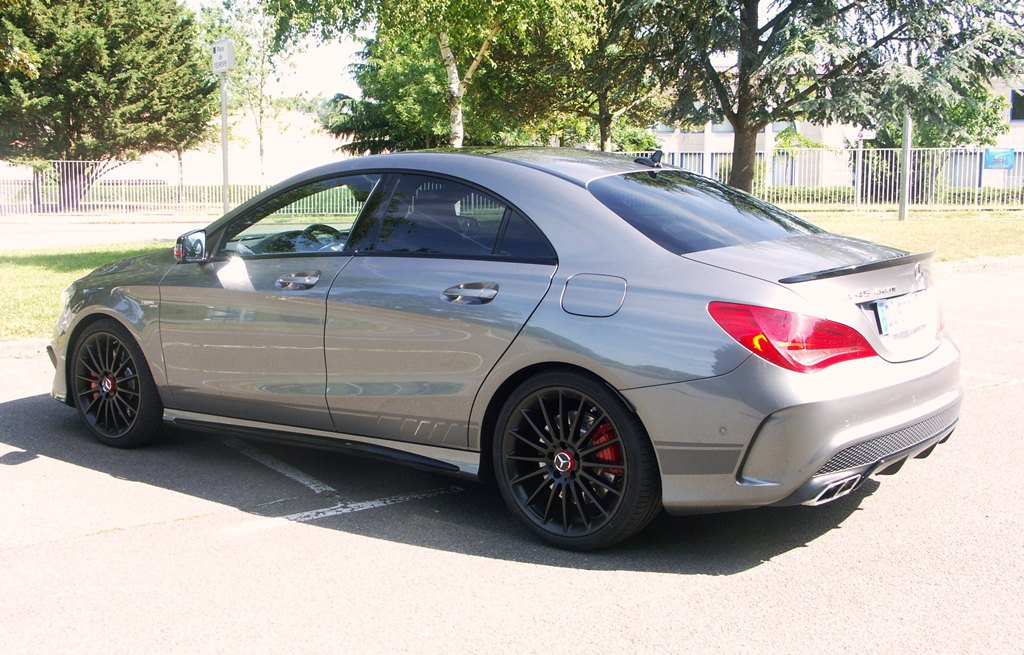 essai mercedes cla 45 amg mutante sous hormones. Black Bedroom Furniture Sets. Home Design Ideas